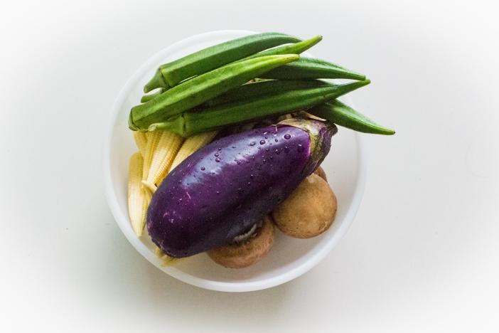 Veggie Saté with Peanut Sauce